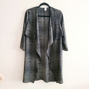 Divided Animal Print Kimono Size 4